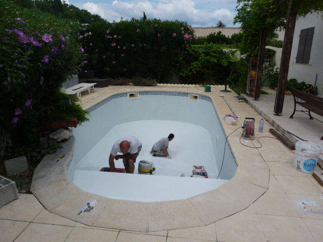 Pose de carrelage piscine h rault chantier carrelage for Piscine le cres