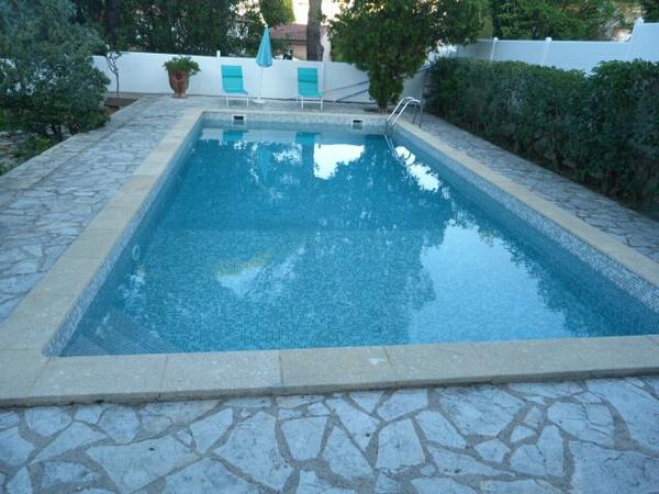 renovation piscine, montpellier, hérault, carrelage pour particuliers.