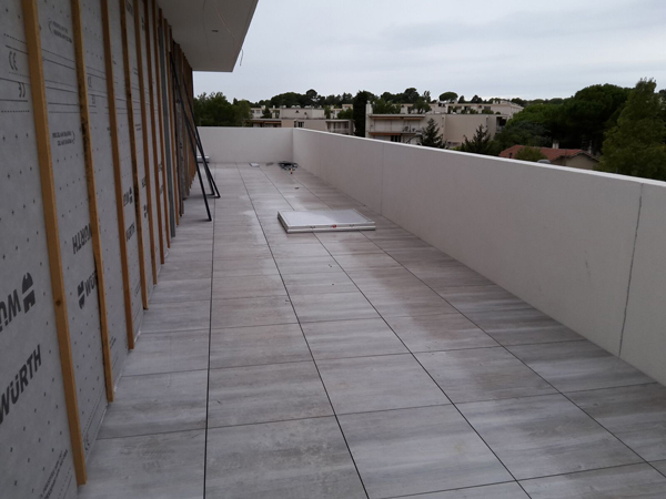Chantier carrelage groupe cirrus castelnau le lez for Carrelage spot point p